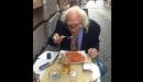Marco Pannella mangia spaghetti